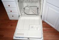 Почему в посудомоечной машине остается вода