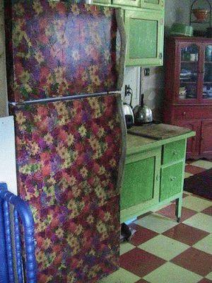 Интерьерный декупаж холодильника