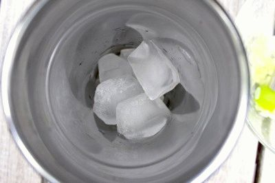 Колка льда в блендере