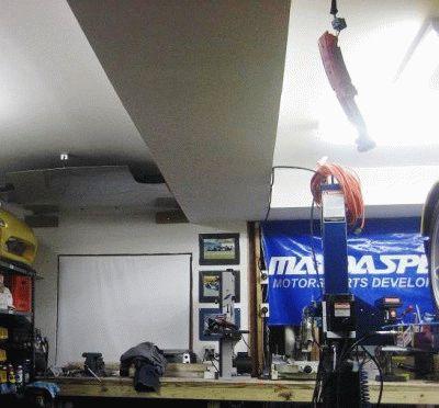 Вытяжка в гараже по потолку