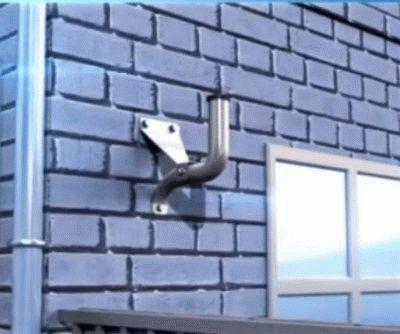 Крепление кронштейна к стене