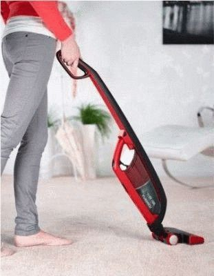 Уборка дома беспроводным пылесосом