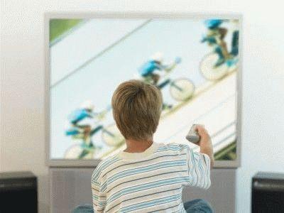 Почему телевизор включается сам: причины, обновления, инструкция по ремонту