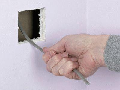 Проводка внутри стены