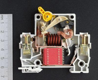 Конструкция защитного устройства