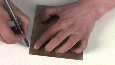 Подгонка слюды под необходимые размеры